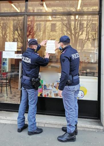 polizia dispone chiusura di un locale