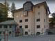 Bus di giovani torinesi si schianta contro un muro in Val d'Aosta: nessun ferito, ma i 52 ragazzi sono rimasti bloccati
