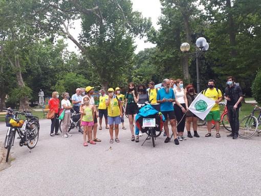 Duemila chilometri in bici, arriva a Torino il Clima Tour: una pedalata per parlare di ambiente