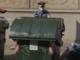 Il cassonetto dei rifiuti era diventato il deposito per lo spaccio: i carabinieri sequestrano 100 dosi di eroina e cocaina [VIDEO]