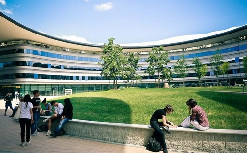 Strisce blu al Campus Einaudi a tariffe agevolate, vittoria per gli studenti