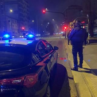 Beinasco, trentacinquenne minacciato e picchiato per un presunto debito di 50mila euro, i carabinieri arrestano gli aggressori