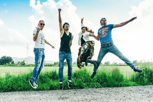 Duratone: un nome duro per una band rock che canta l'amore