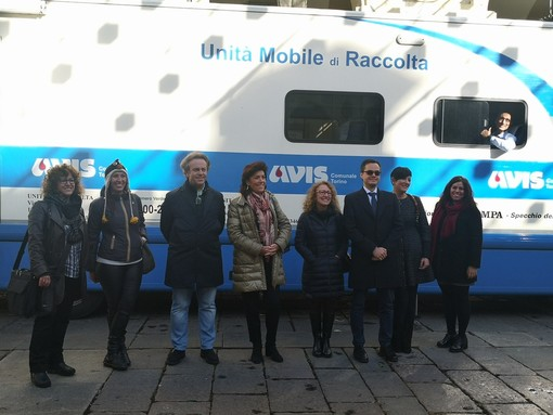 A Torino consiglieri comunali e di Circoscrizione in fila per donare il sangue
