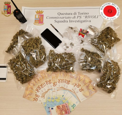 soldi e droga recuperati dalla Polizia di Rivoli