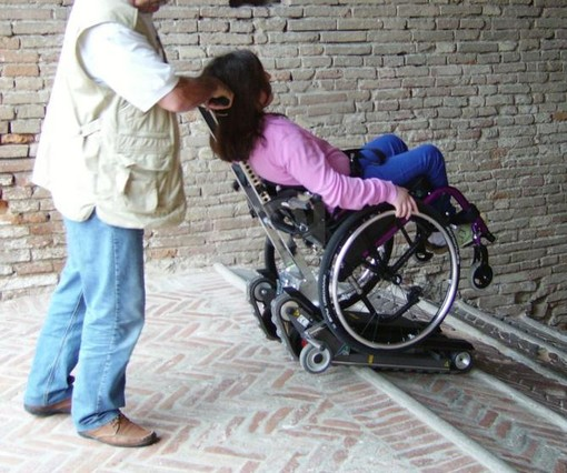 A Torino nasce #Rifiorire, campagna online contro la violenza sulle donne con disabilità