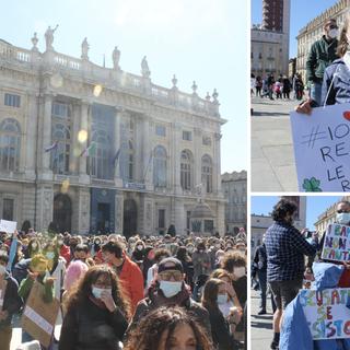 La protesta Dad in piazza Castello a Torino