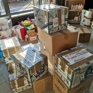 Alcuni dei pacchi donati agli afghani