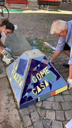 """San Donato, installato il nuovo dissuasore """"mosaicato"""" in piazza Paravia"""