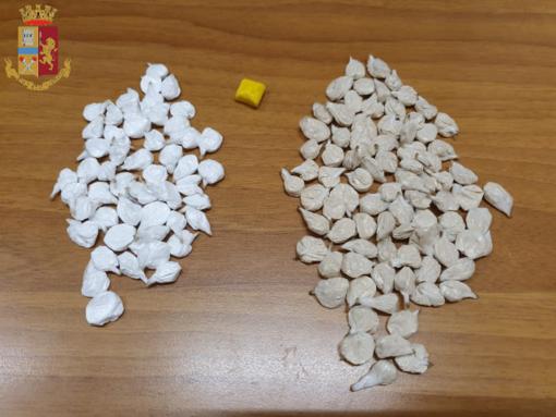 """San Salvario, pusher sorpreso dai """"Falchi"""" con 134 dosi di droga: arrestato"""
