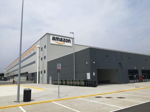 Lo stabilimento Amazon di Torrazza