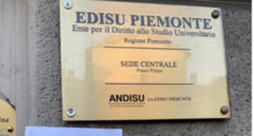 Regione ed Edisu mettono a disposizione 200 mila euro per gli studenti, ma l'Università dice no