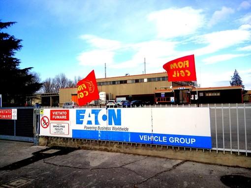 Licenziate due impiegate alla Eaton, i sindacati annunciano battaglia