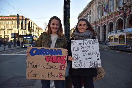 """Fridays For Future in piazza anche oggi a Torino: """"La vera emergenza è quella ambientale"""""""