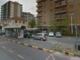 Si spoglia e si tocca vicino alla fermata del bus: nei guai un 35enne a Collegno