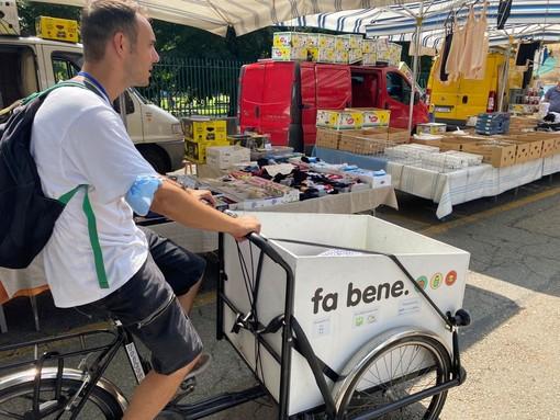 persona in bicicletta cargo