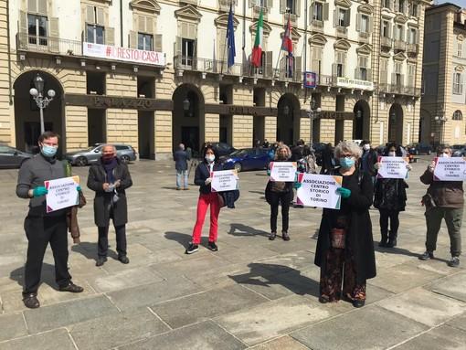 Flash mob di negozianti lo scorso 14 maggio
