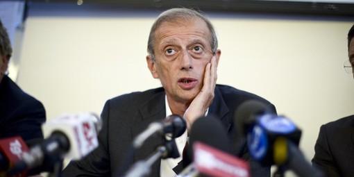 Incidente d'auto per l'ex sindaco di Torino Fassino