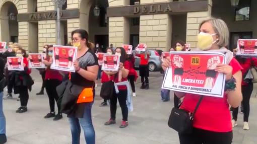 A Torino flash bob delle insegnanti contro il vincolo alla mobilità