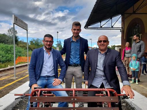 Non solo treni: sulla Chivasso-Asti si fa il giro turistico sui ferrocicli