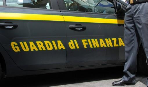 Imprenditore di Pinerolo arrestato dalla Guardia di Finanza: per lui accuse di corruzione e falso ideologico