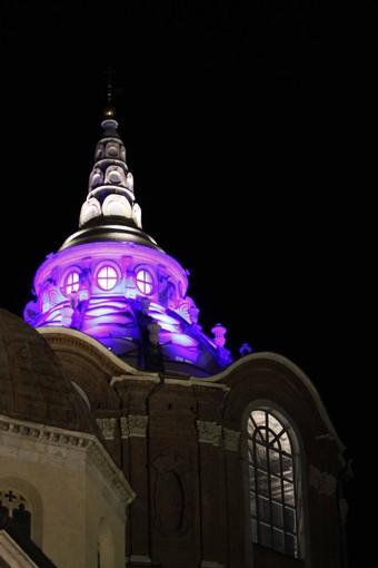 Ricerca contro il cancro al pancreas: anche la Cupola della Cappella della Sindone si illumina di viola