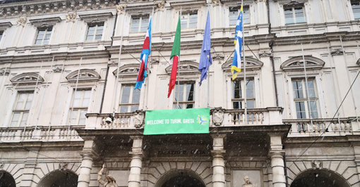 """""""Welcome Greta"""", Torino accoglie l'attivista dei Fridays For Future"""