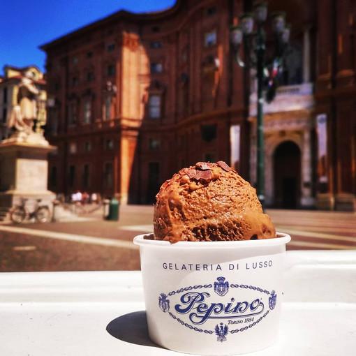 Gelati Pepino 1884: lo storico gelato di Piazza Carignano si paga con lo smartphone