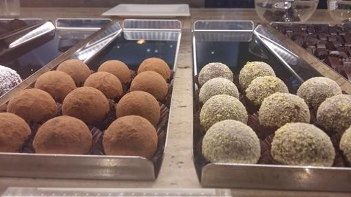 """La pasticceria crudista e vegana a Torino, dove  il cioccolato è """"grezzo"""" e il gelato è gourmet"""