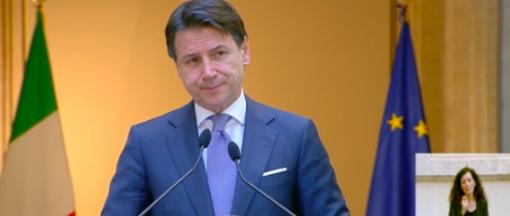 """Fase 3, Conte: """"Lavoriamo al piano di rinascita Italia per ricostruire il Paese dalle fondamenta"""""""