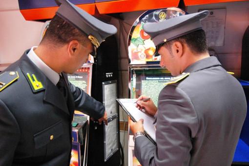 Videoslot manomesse e sale scommesse illegali scoperte dalla Guardia di Finanza di Torino