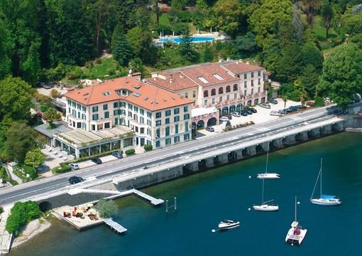 Scopri l'esperienza delle bollicine in un Gala dinner con vista sul lago Maggiore, dove i protagonisti saranno menù di pesce e Champagne