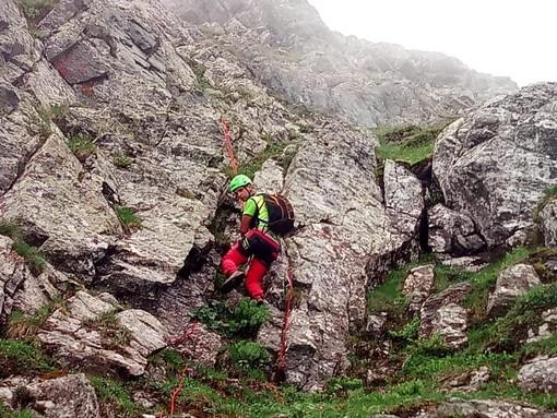 Tecnici del Soccorso Alpino soccorrono 4 persone rimaste bloccate a 2750 metri di quota
