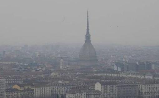 """""""Che aria tira"""" a Torino? Nel 98% dei casi concentrazioni dannose per la salute, nel 39% superiori alle norme di legge"""