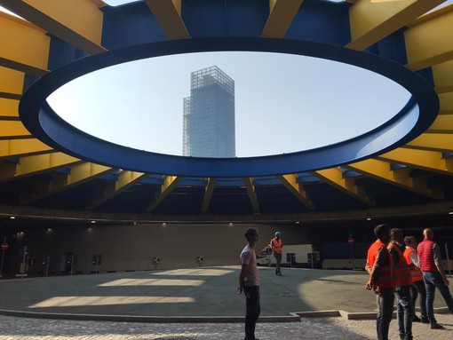 """La maxi rotonda sotterranea è pronta, riapre il sottopasso Lingotto: """"Opera fondamentale per la viabilità"""" [FOTO E VIDEO]"""