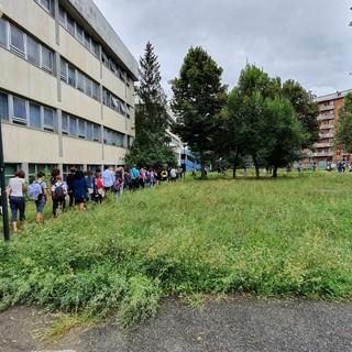 La campanella gioca d'anticipo: ripartono le lezioni della Corrado Alvaro di via Balla [FOTO]
