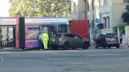 Incidente in corso Unione Sovietica, un'auto si scontra contro un tram
