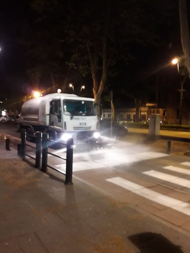 """Coronavirus, Unia: """"A Torino lavate tutte le strade, con autobotti percorsi 11 mila chilometri"""""""