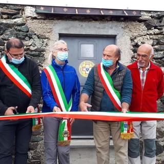 Inaugurato il bivacco Carmagnola a 2.840 metri sullo spartiacque tra Valle Maria e Val Varaita