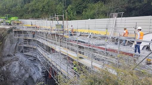 """Avanzano gli interventi sul ponte """"Rio Pontet"""" lungo la statale 24 del Monginevro"""