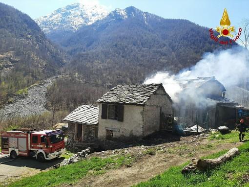 incendio casa viù