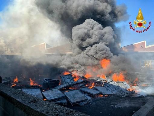 Incendio a Settimo: la Procura apre un'inchiesta