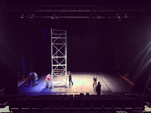 """Stasera va in scena """"JobAct"""", il teatro che aiuta i giovani a cercare lavoro"""