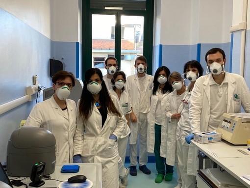La lotta al virus non va in vacanza: potenziato il laboratorio di Microbiologia e Virologia di Città della Salute