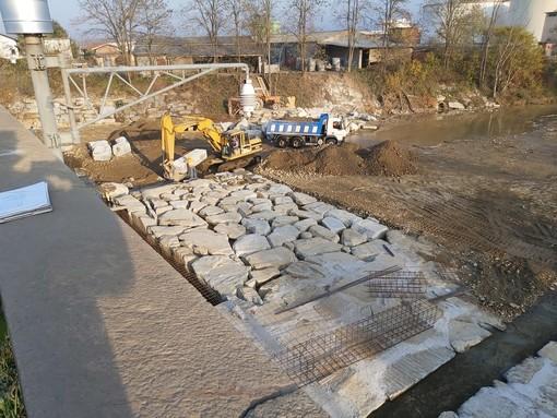 """Entro la fine di novembre terminato l'intervento nell'alveo del torrente Malone a protezione del ponte sulla Sp. 220 """"di Brandizzo"""""""