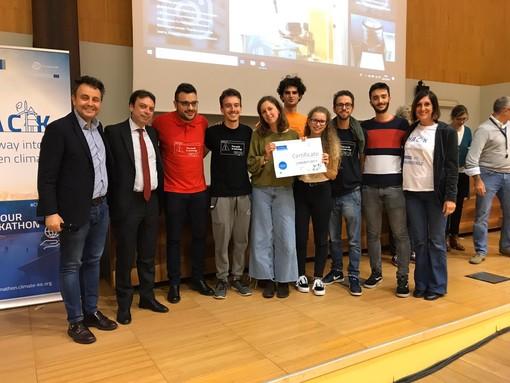 """Climathon Torino 2019: vince """"Spazzaturet"""", una soluzione contro i rifiuti della malamovida"""