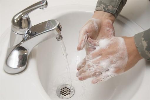 Coronavirus, anche il Piemonte celebra la Giornata Mondiale dedicata all'igiene delle mani