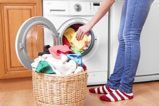 Le lavatrici e i pericoli dei super batteri, che cosa c'è da sapere?