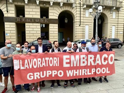 Alcuni esponenti del Pd hanno incontrato gli operai ex Embraco in piazza Castello