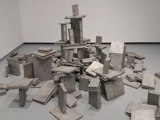 Alla GAM un nuovo allestimento per le collezioni contemporanee, tra pittura e scultura